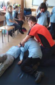 Szkolenie z zakresu udzielania pierwszej pomocy – klasa 4